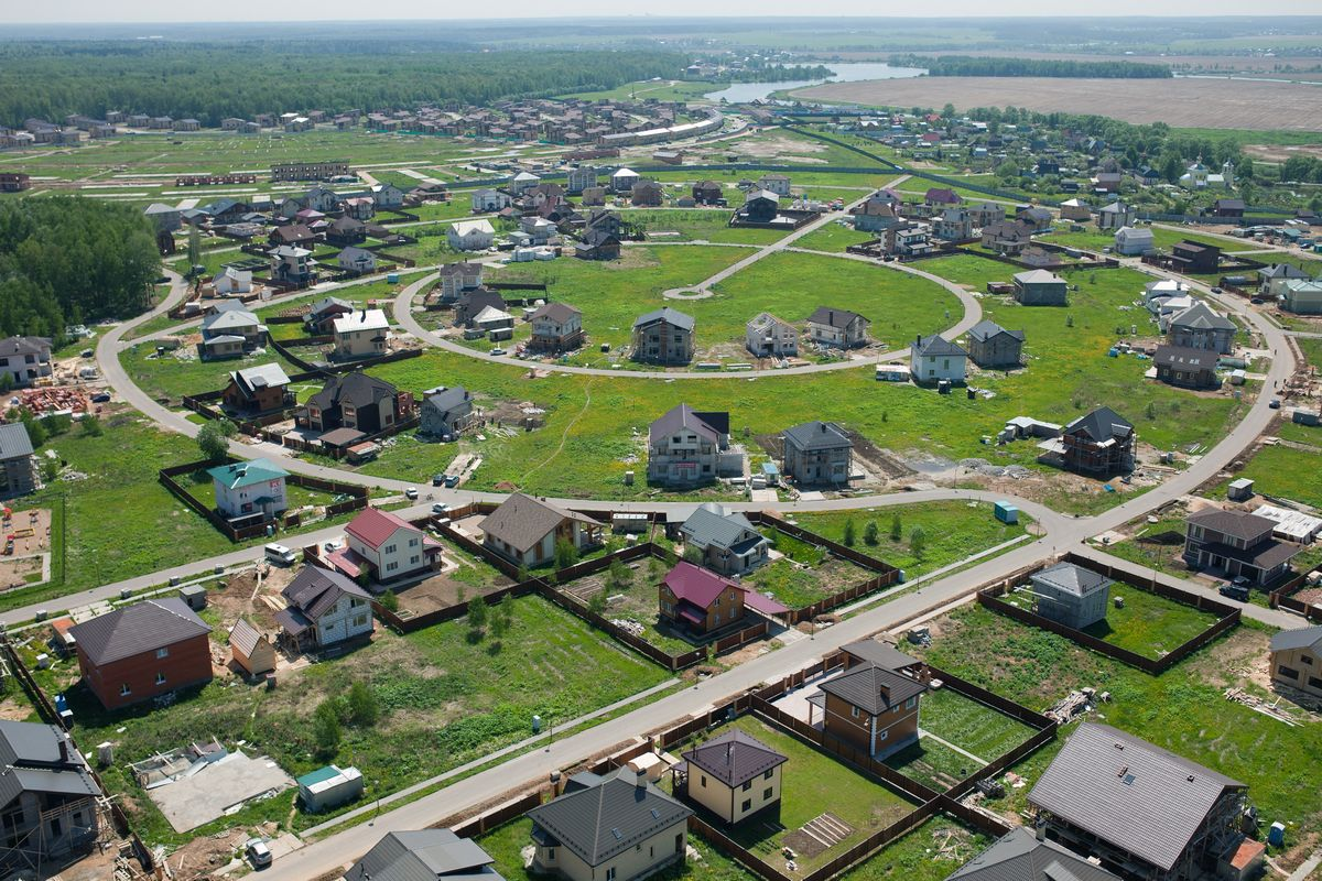 Поселок Малая Ельня